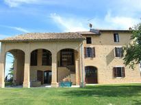 Vakantiehuis 1001843 voor 14 personen in Salsomaggiore Terme