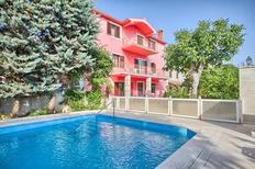 Ferienwohnung 1001957 für 4 Personen in Krnica