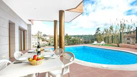 Holiday home 1003499 for 8 persons in Lloret de Mar