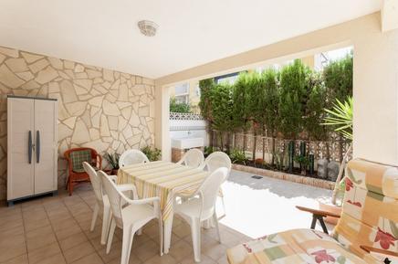 Casa de vacaciones 1003948 para 7 personas en Oliva