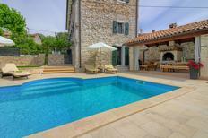 Ferienhaus 1004737 für 9 Erwachsene + 1 Kind in Dračevac
