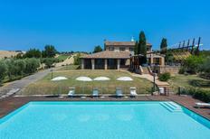 Vakantiehuis 1006049 voor 11 personen in San Costanzo
