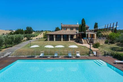 Villa 1006049 per 11 persone in San Costanzo