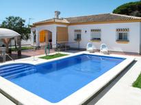 Holiday home 1007947 for 8 persons in Chiclana de la Frontera