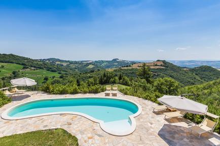Villa 1008408 per 8 persone in Montefelcino