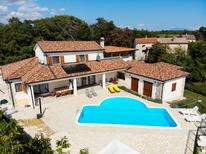 Holiday home 1009836 for 10 persons in Gradisce