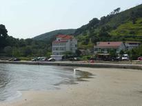 Ferienwohnung 1010926 für 4 Personen in Supetarska Draga