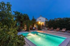 Holiday home 1012642 for 8 persons in Rasopasno