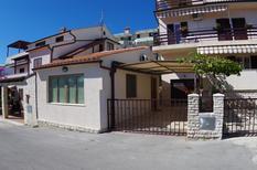 Semesterlägenhet 1023071 för 2 vuxna + 2 barn i Pjescana Uvala