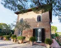 Villa 1023588 per 12 persone in Gioiello