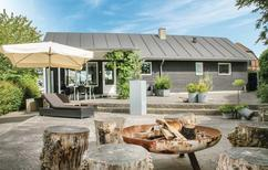 Vakantiehuis 1023660 voor 6 volwassenen + 2 kinderen in Hvidbjerg
