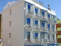 Appartement 1023704 voor 6 personen in Rimini