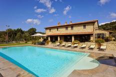 Ferienhaus 1025274 für 18 Personen in Tuoro Sul Trasimeno