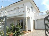 Holiday home 1025333 for 6 persons in l'Escala