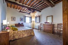 Ferienwohnung 1025956 für 4 Personen in San Casciano in Val di Pesa