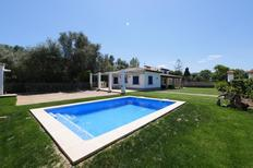 Vakantiehuis 1026078 voor 6 volwassenen + 2 kinderen in Alcúdia