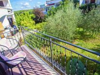 Appartement 1123056 voor 5 personen in Funtana