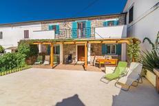 Ferienhaus 1125509 für 8 Personen in Fažana
