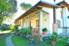 Ferienhaus 1126747 für 8 Personen in Cinquale