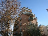 Ferienwohnung 1127619 für 4 Personen in Riccione