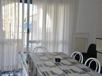 Ferienwohnung 1127622 für 4 Personen in Misano Adriatico