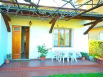 Vakantiehuis 1128837 voor 5 personen in Marina Di Massa