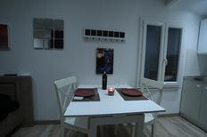 Ferienwohnung 1128843 für 2 Personen in Camaret-sur-Aigues