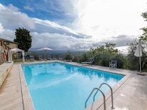 Ferienwohnung 1133391 für 8 Personen in Caprese Michelangelo