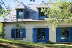 Villa 1133626 per 10 persone in Plougrescant