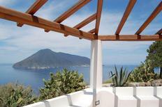 Vakantiehuis 1137620 voor 6 personen in Lipari