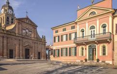 Casa de vacaciones 1139525 para 8 adultos + 1 niño en Mirabello Monferrato