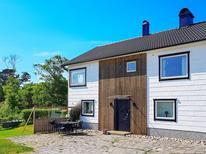 Ferienhaus 1140211 für 4 Personen in Hälleviksstrand