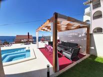 Ferienwohnung 1142638 für 8 Personen in Okrug Gornji