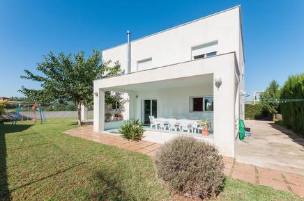 Ferienhaus 1145156 für 9 Personen in Oliva