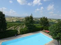 Ferienwohnung 1145324 für 4 Personen in Coriano