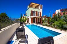 Ferienhaus 1149056 für 6 Personen in Splitska