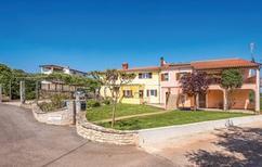Ferienwohnung 1153726 für 5 Personen in Brnobici