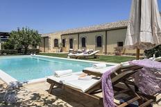 Vakantiehuis 1156234 voor 8 personen in Carrozziere