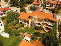 Ferienwohnung 1159085 für 4 Personen in Pjescana Uvala