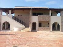 Appartement 1159666 voor 5 personen in Ognina