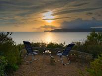 Vakantiehuis 1160716 voor 9 personen in Capoliveri