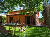 Ferienhaus 1160720 für 8 Personen in Chianacce