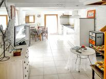 Holiday apartment 1165938 for 4 persons in Pluvigner