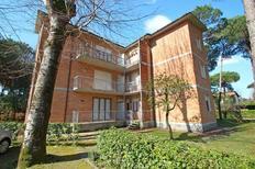 Ferienwohnung 1166553 für 5 Personen in Marina Di Massa