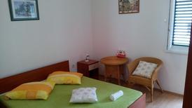Ferienwohnung 1166587 für 4 Personen in Drvenik