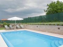 Ferienhaus 1167642 für 5 Personen in Jezenj