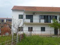 Ferienwohnung 1168313 für 3 Personen in Poljica bei Trogir