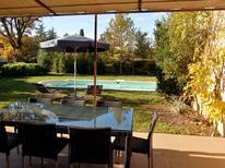 Ferienhaus 1171102 für 8 Personen in Saint-Saturnin-les-Apt