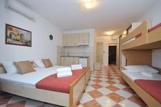 Etværelseslejlighed 1175099 til 4 personer i Budva