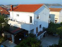 Appartement 1176567 voor 6 personen in Trogir